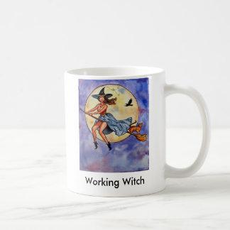 Taza De Café WitchRavenCatfly1, bruja de trabajo