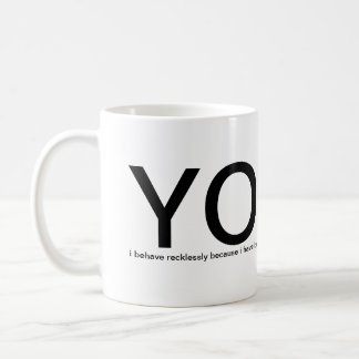 Taza De Café ¡YOLO - usted vive solamente una vez! ayúdeme por