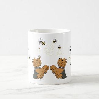 Taza De Café Yorkies y abejas