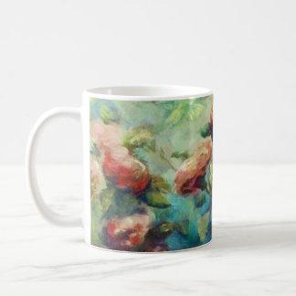 Taza de cerámica pintada de los rosas