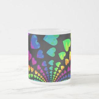 Taza De Cristal Esmerilado Corazones retros del arco iris
