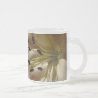 Taza De Cristal Esmerilado La vida es hermosa - lirio blanco elegante