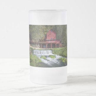 Taza De Cristal Esmerilado Paisaje del molino de agua de Hodgson
