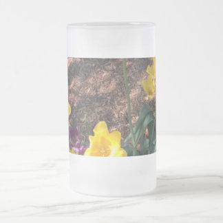 Taza De Cristal Esmerilado Tipo amarillo flores del tulipán de la primavera