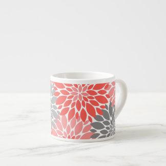 Taza De Espresso Estampado de flores coralino y gris de los