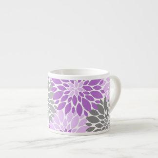 Taza De Espresso Estampado de flores púrpura y gris de los