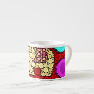 Taza De Espresso Mosaico rojo enrrollado de los círculos concéntric