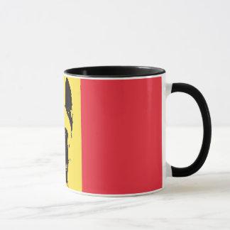 Taza de la bandera de Malinois del belga