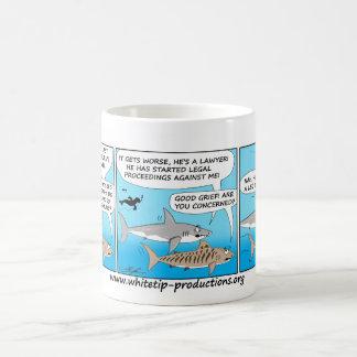 ¡Taza de la diversión de la charla del tiburón del Taza De Café