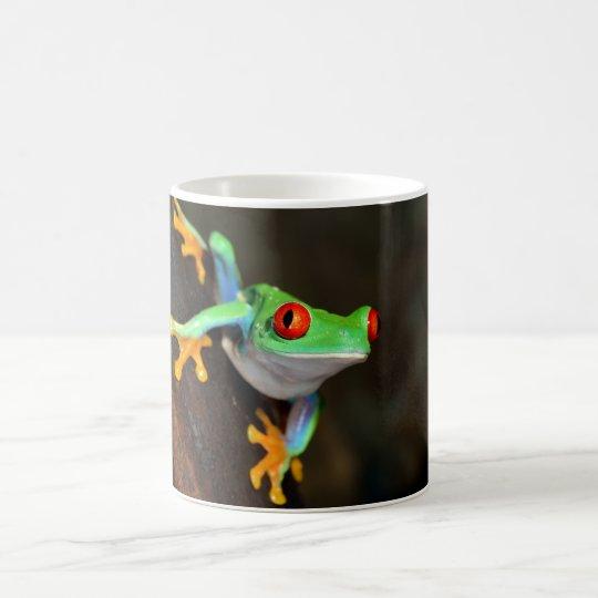 Taza de la fauna de la naturaleza de la rana verde