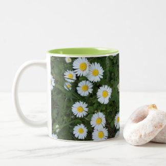 Taza de la flor de la margarita