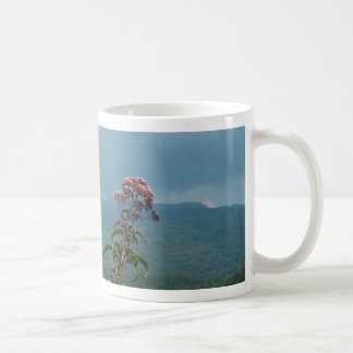 Taza de la flor de la montaña