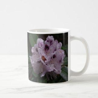 Taza de la flor del rododendro