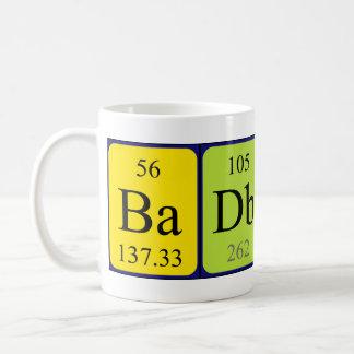 Taza de la frase de la tabla periódica de BadBoy