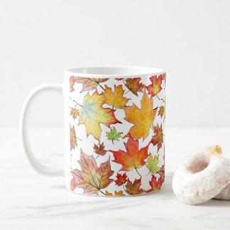 Taza de la hoja del otoño - personalizable