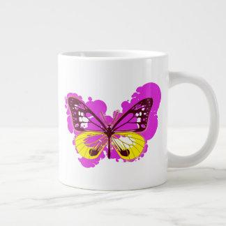 Taza de la mariposa del rosa del arte pop