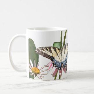 Taza de la mariposa y del abejorro