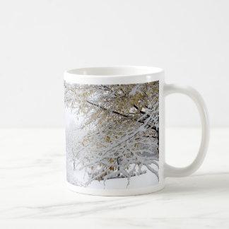 Taza de la nieve del invierno