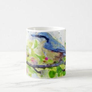 Taza de la pintura del pájaro de la primavera