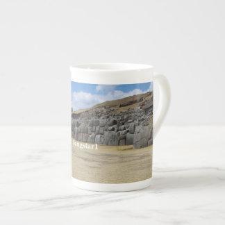 Taza de la porcelana de hueso