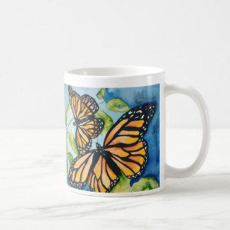 taza de las mariposas de monarca