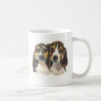Taza de los perritos del beagle