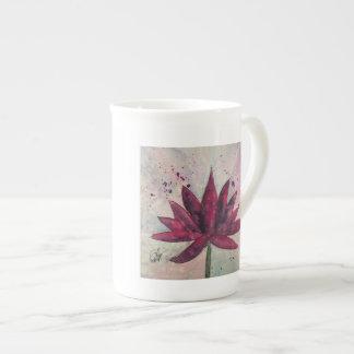 Taza de Lotus de la acuarela