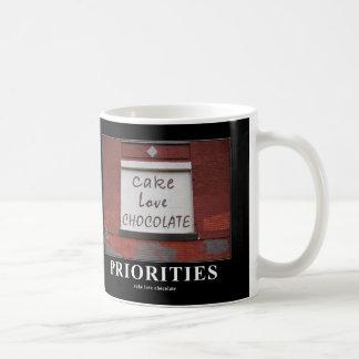 Taza de motivación de la pintada del chocolate del