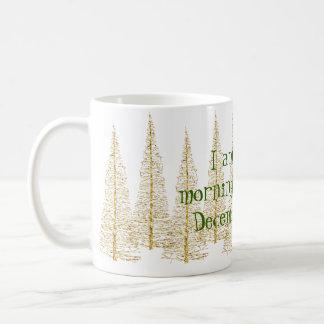 Taza de oro de la persona de la mañana de los taza de café