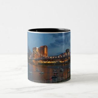 Taza de puente colgante de Juan A. Roebling