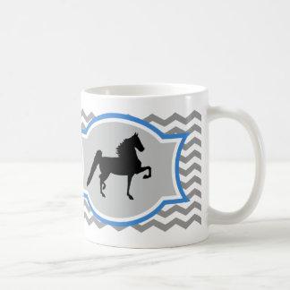 Taza de Saddlebred del americano - gris y azul