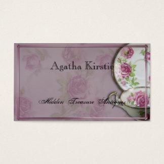 Taza de té color de rosa rosada antigua en tarjeta