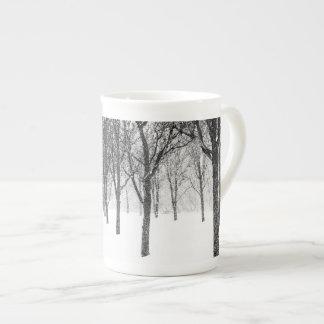 Taza De Té como echo a un lado con los árboles