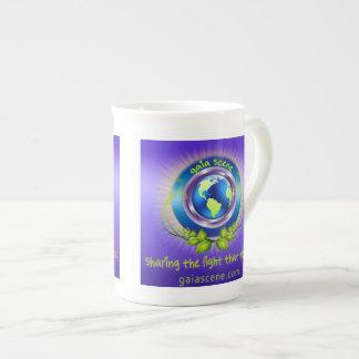 Taza de té de la porcelana de hueso de la escena