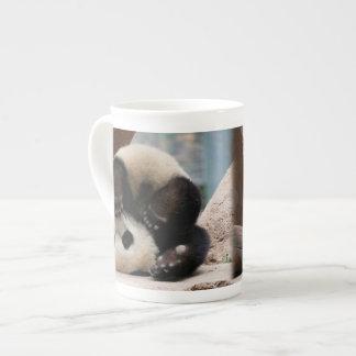 Taza De Té Pandas del bebé que juegan - panda linda de la