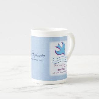 Taza De Té Personalice, paloma adulta del bautismo en azul