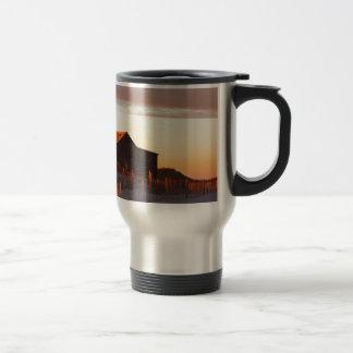Taza De Viaje Casa en la puesta del sol - 1