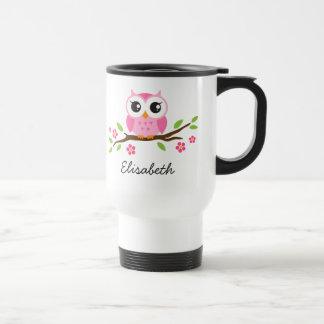 Taza De Viaje El búho lindo, rosado en rama personalizó nombre