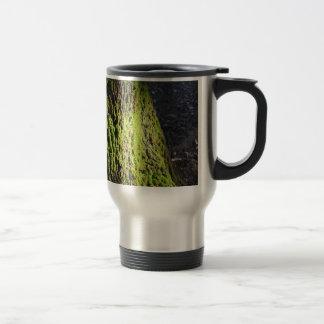 Taza De Viaje El musgo verde en el detalle de la naturaleza del