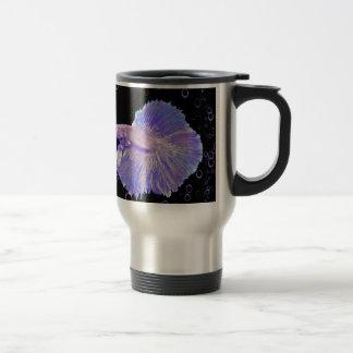 Taza De Viaje Pescados que luchan púrpuras iridiscentes