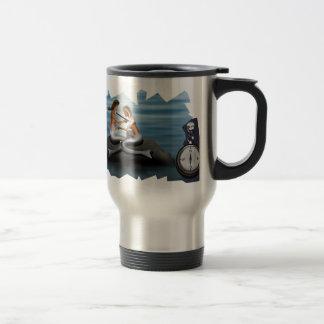 Taza De Viaje Sirena que dibuja una sirena