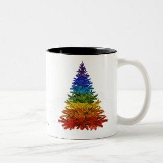 Taza del árbol de navidad del arco iris