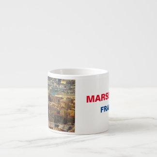 Taza del café express de panorama de Marsella