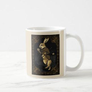 Taza del conejo del país de las maravillas de