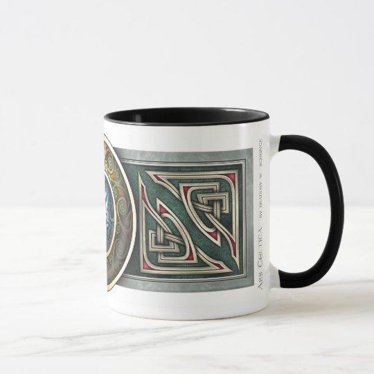 Taza del diseño de Knotwork del Celtic