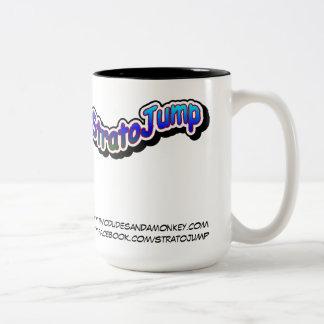 Taza del Dos-Tono de StratoJump - dos tipos y un m