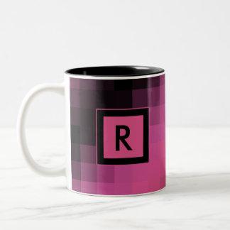 Taza del modelo de la casilla negra rosada y