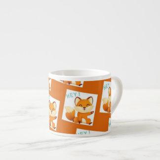 Taza del naranja del gatito