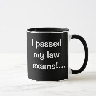 Taza del paso de los exámenes de la ley - aprobé