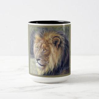 Taza del tono del safari 2 del león